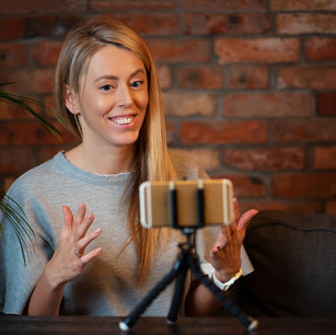Filming yourself on your phone: A Guru Guide to recording video messages