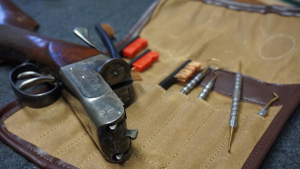 Sage & Braker Brush and Pick Set