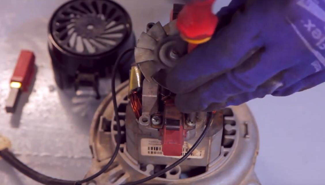 Vacuum Turbine Maintenance