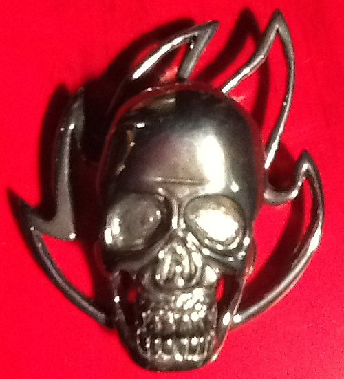#21 LARGE SKULL WITH FLAMES PENDANT