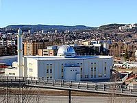 250px-2011-04-08_Bait-un-Nasr_mosque.jpg