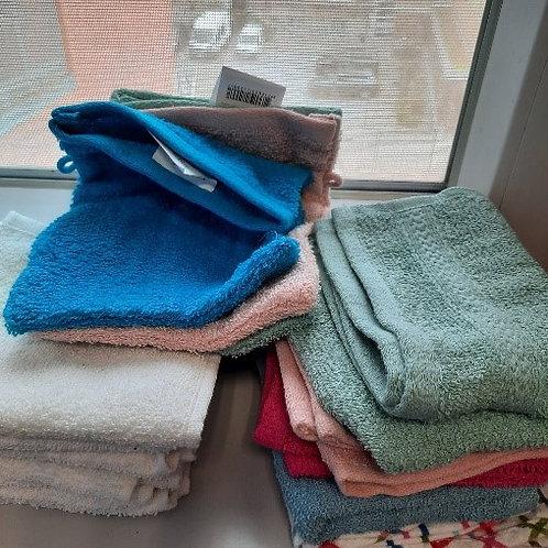 Lot d'essuis et gants de toilette