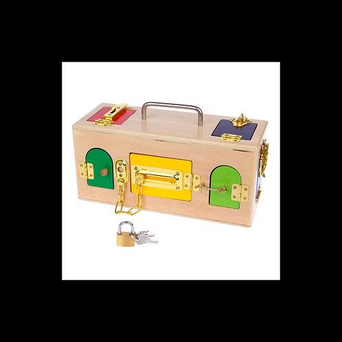Boîte à serrures en bois