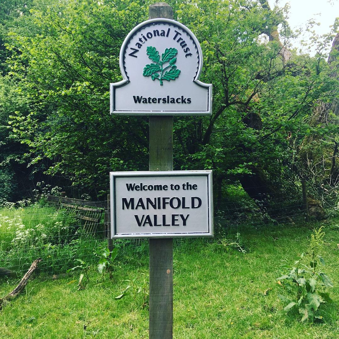 Manifold Valley