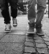 walk-318770_1920.jpg