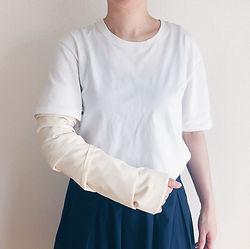 腕・手首・肩などを骨折をしていてもカンタンに着られる洋服です。女性・男性・大人・子どもを問わずお使いいただけます。
