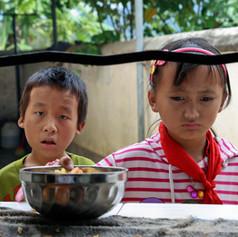 Minim photo studio, minim photographic studio, Taipei photographer, Taipei photo shoot, Taipei studio photo, Taipei photo studio, Taiwan photographer, family photographer, 攝影,台北攝影,攝影工作室,china, NGO, human rights, Yunnan, school, poverty, food bank, naomi goddard photography