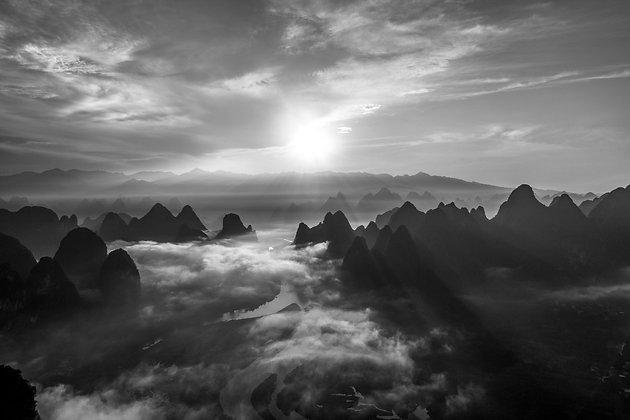 Damian Mountain, China