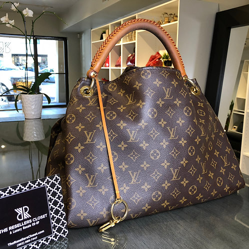 Louis Vuitton Artsy Monogram Shoulder Bag