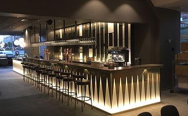 Opalen Bar m barstol.jpg
