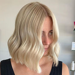 The purrrrfect blonde!🔥 🔥 _Colour and