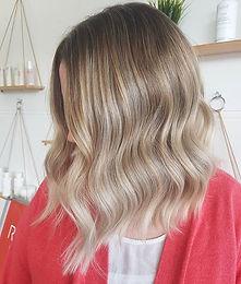 🌿🍒 Blonde Lob 🍒🌿_Nothing beats a cri