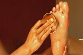 massage-des-pieds-au-bol-kansu.png