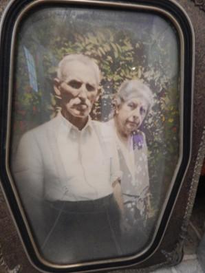 honoring Walter Irving Drew (1870-1954))and his wife Emma Irene Rutan(1864-1934).jpg