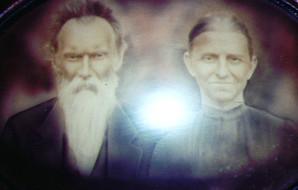 Farmer Isaac Hawn and wife, Minerva.jpg