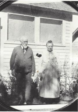 1933 Timothy and Martha Burns0001.jpg