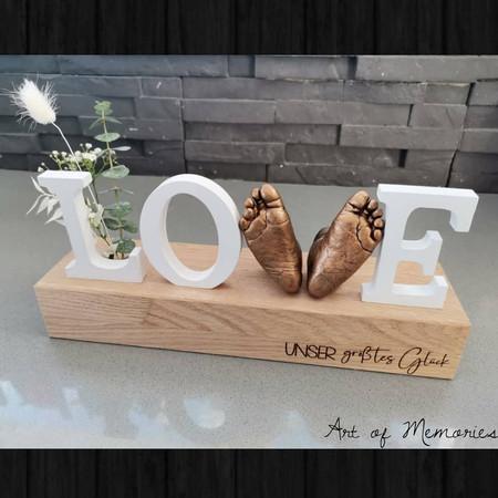 Love Abdruck auf einem Massivholzsockel, Gravur individuallisierbar, Trockenblumen Dekoration