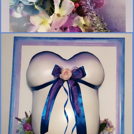 Babybauchabdruck romantisch mit Blütenborte im Aquarelldesign mit passendem Hintergrundrahmen