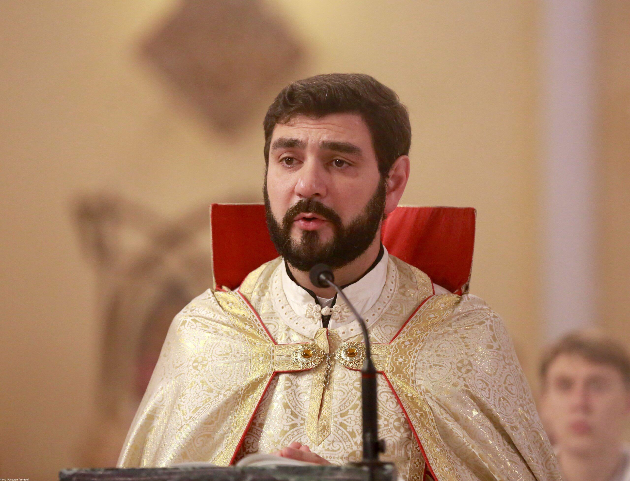 о. Петрос Есаян