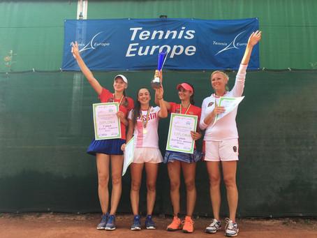 Поздравляем российскую юниорскую команду девушек с победой!