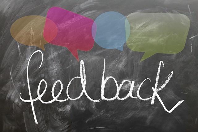 Quadro com escrito feedback