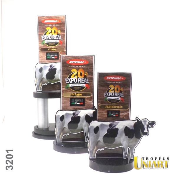 Troféu para exposição de gado, com haste em MDF e pequeno detalhe em acrílico gravado a laser