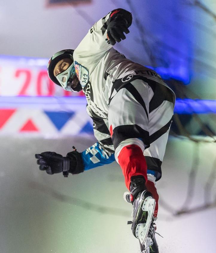 redbull-crashed-ice-Marseille-Forian-Petitcollin-2-AMSports-Michel FISQUET-Teamphoto