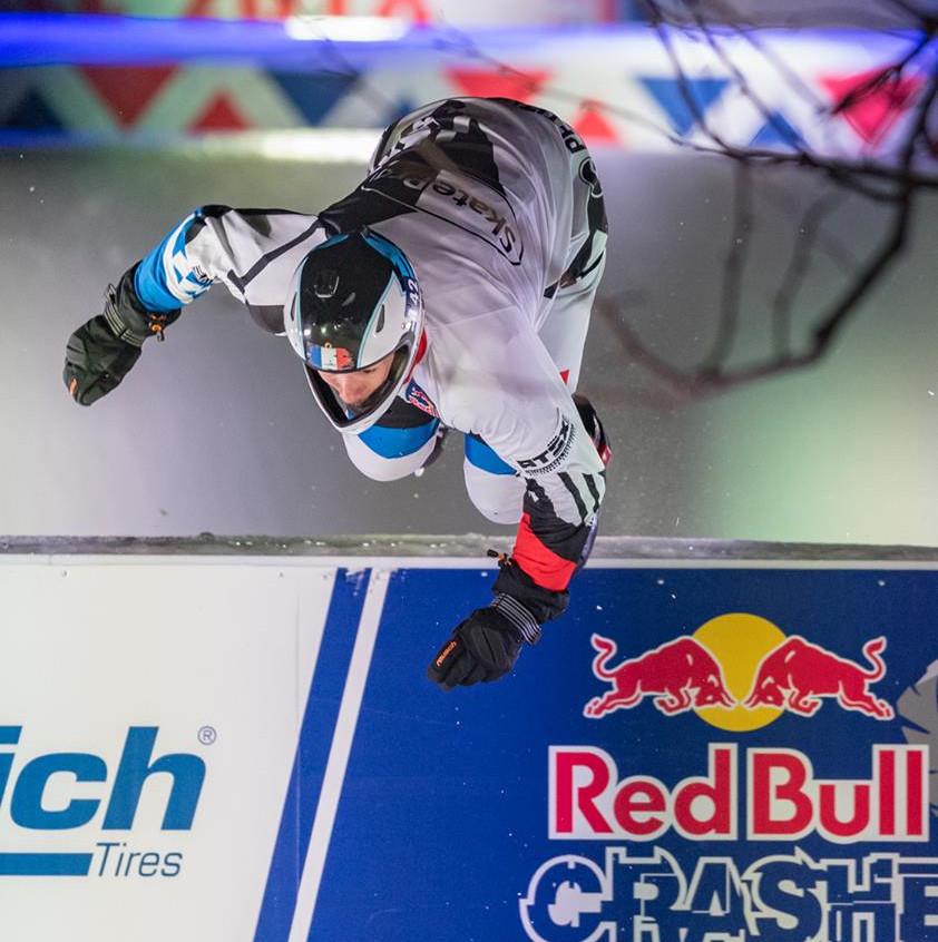 redbull-crashed-ice-Marseille-Forian-Petitcollin-3-AMSports-Michel FISQUET-Teamphoto