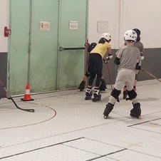 Initiation au roller hockey