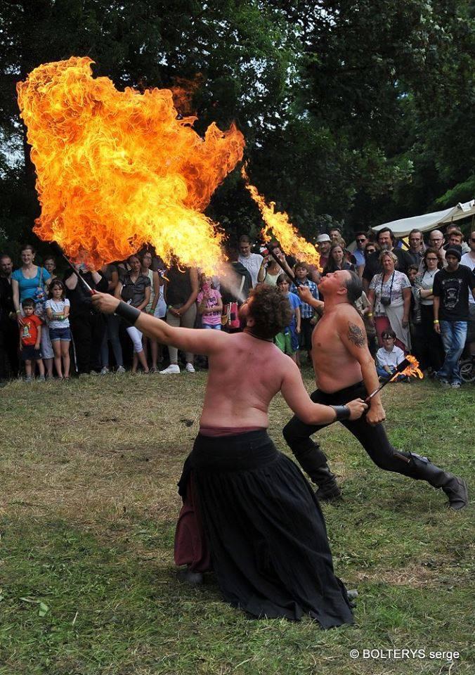 Cracheur & jongleur de feu