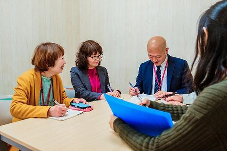 就労移行支援事業所凸ゼミ福島のスタッフミーティング。