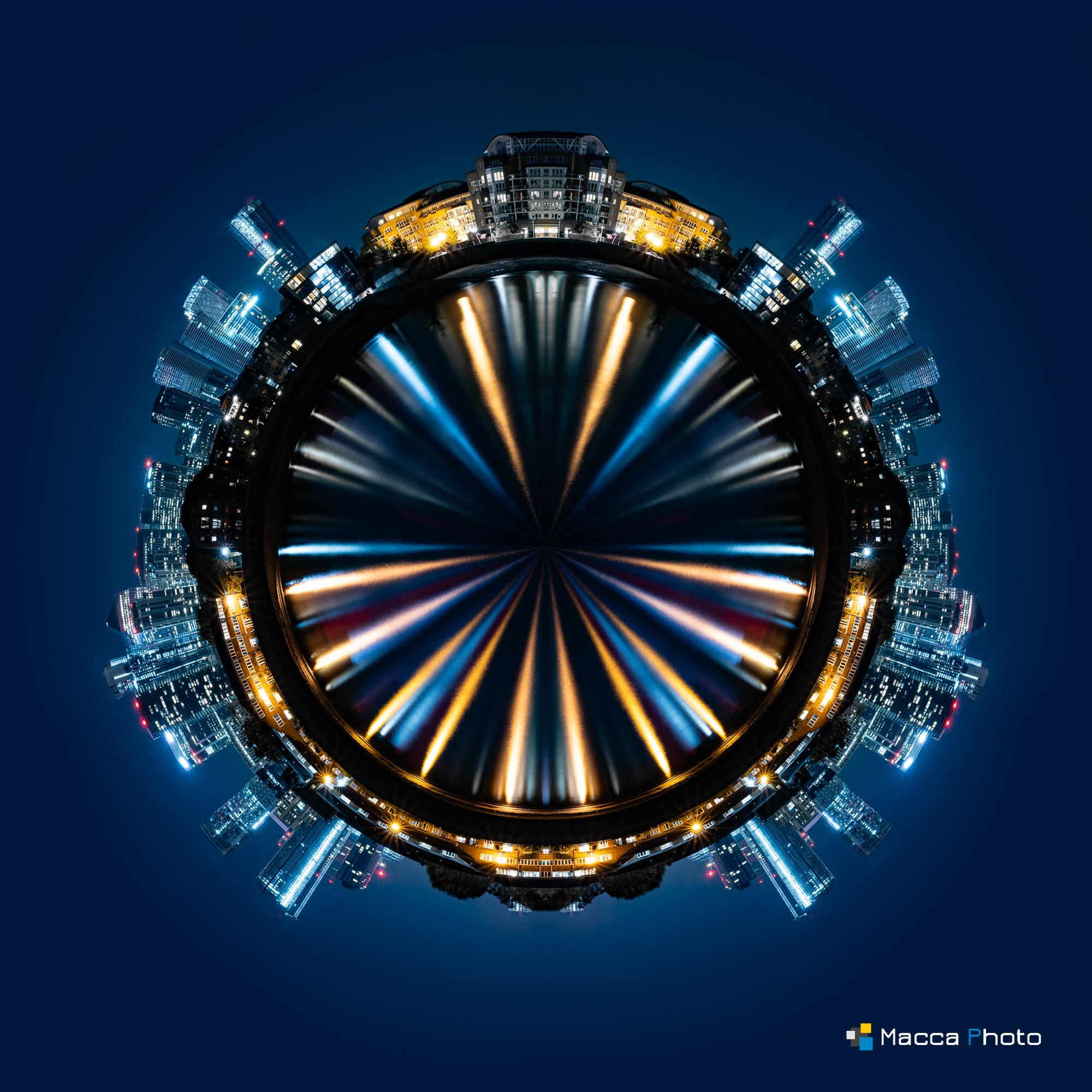 Mini Planet - London - Canary Wharf