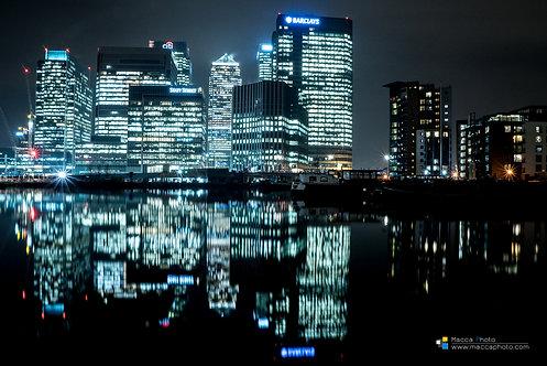 London - Canary Wharf - Reflection 01