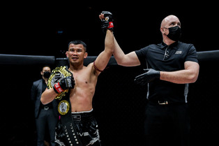 NONG-O SHOWS HIS RUTHLESS SIDE IN SINGAPORE