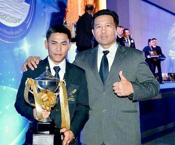 Pernkun Tor Suath is crowned the Sports Authority of Thailand fighter of year for 2016
