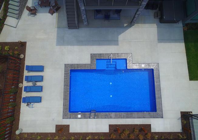 Diamond Cliff - Blue Pointe Floor