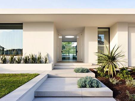 Outside Look: An Enviable Modern Entrance