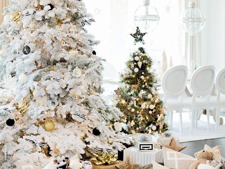 Look of the Day: Monika Hibbs' White Christmas