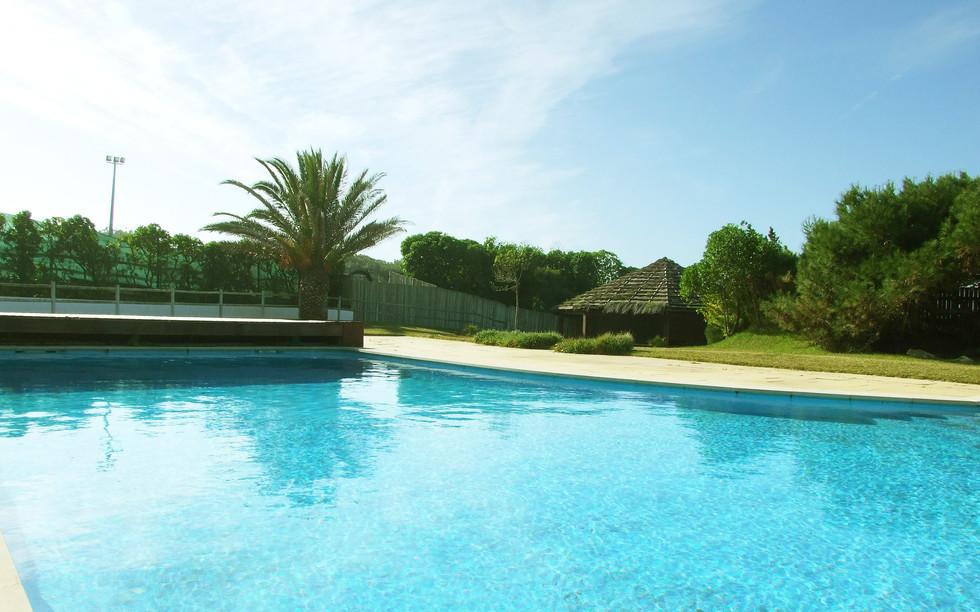 piscina1g.jpg