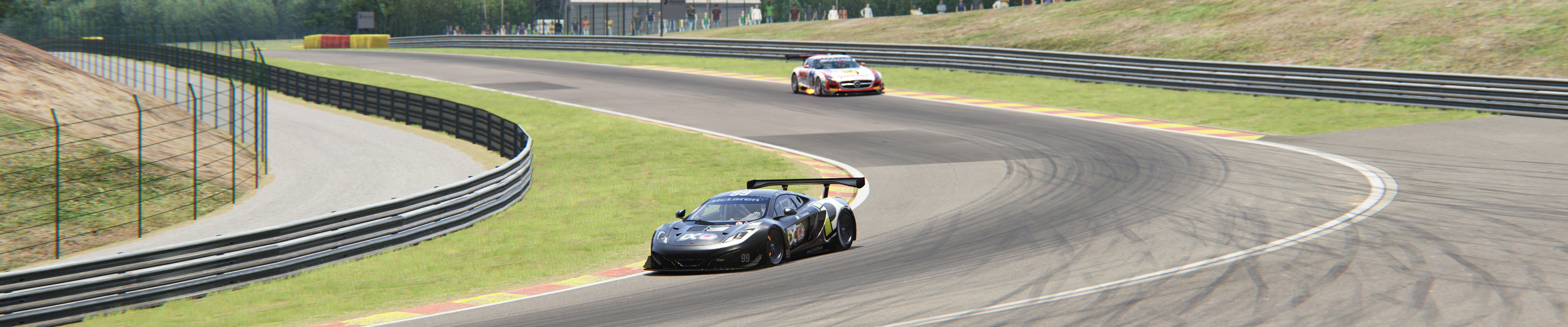 Screenshot_mclaren_mp412c_gt3_spa_1-2-117-16-27-44