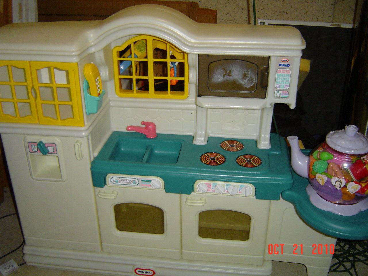 Little Tikes Talking Kitchen Set