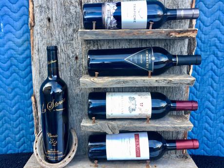 #23 Horseshoe Wine Rack