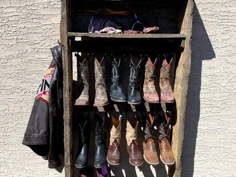 #79 Cowboy Boot Rack