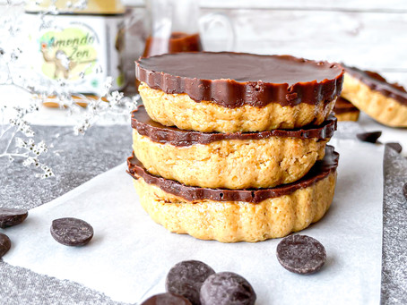 Tortinhas de chocolate e amendoim