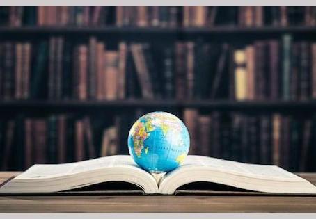 لم لا نُترجم الأدب العربي؟