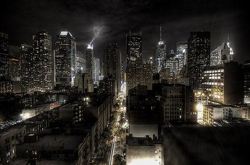1200px-New_York_City_at_night_HDR0 (1).j