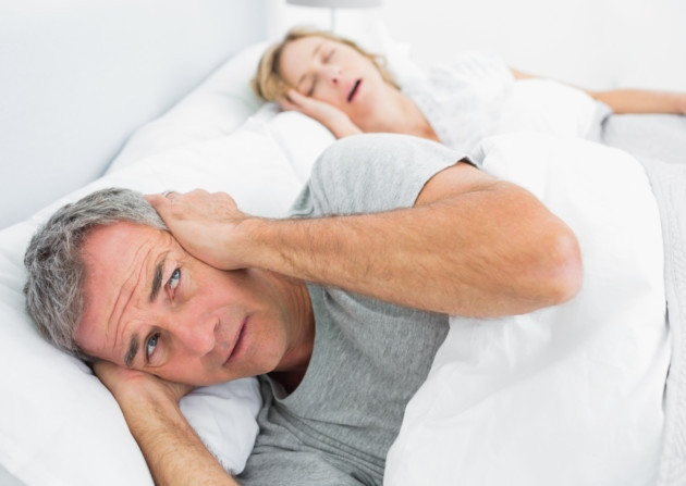 Conheça oito maneiras de parar de roncar!