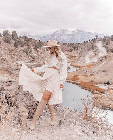 fashion lady mountain background