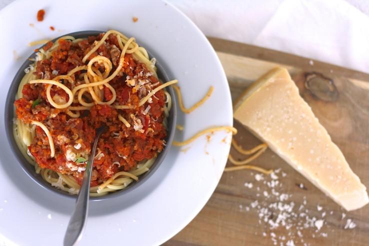 https://chickslovefood.com/recept/snelle-pasta-bolognese/
