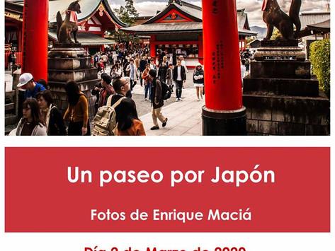 Visionado fotografías de Japón. Enrique Maciá.